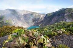 Vandring till vulkan royaltyfria bilder