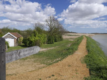 Vandringsledtecken på floden Alde - Snape Maltings - Suffolk Arkivbild