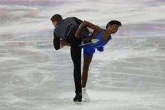 Vanessa James und Morgan Cipres von Frankreich führen im Team Event Pair Skating Short-Programm an der 2018 Winterolympiade durch Stockbild