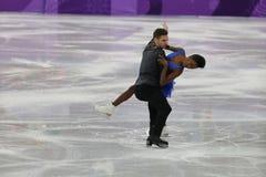 Vanessa James y Morgan Cipres de Francia se realizan en el programa de Team Event Pair Skating Short en los juegos 2018 de olimpi Fotos de archivo