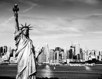 Vangst van New York uit het stadscentrum over hudson stock afbeeldingen