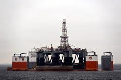 """03 08 2014 - A vanguarda pesada de Dockwise da embarcação do elevador que offloading o  """"Ocean de Patriot†do equipamento Sem Fotografia de Stock Royalty Free"""