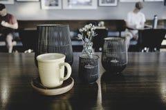 VaniljLatte på den lokala coffee shop Royaltyfria Foton