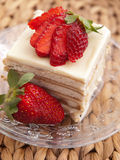 Vanilla cake with strawberry Royalty Free Stock Images
