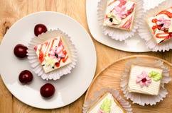 Vanilla cream cake Royalty Free Stock Photos