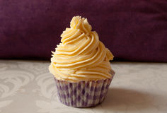 Vanilla cream cupcake Royalty Free Stock Image