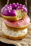 Vanille cuite au four fraîche Bean Iced Doughnuts Photographie stock