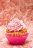 Vanille cupcake met aardbeisuikerglazuur Royalty-vrije Stock Foto