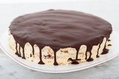 Vanille, noot en chocoladecake Stock Foto