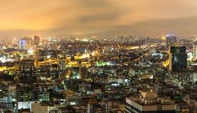 Vanillehemel en gebouwen in Bangkok stock foto