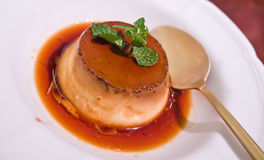 Vanillepudding-Pudding Lizenzfreie Stockfotos