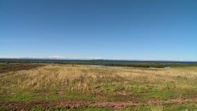 Vanlig jordbruksmark längs sjön Titicaca, Bolivia lager videofilmer