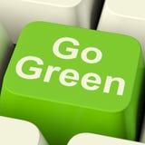 Vanno il tasto del computer verde che mostrano il riciclaggio e Eco amichevole Fotografia Stock Libera da Diritti