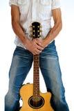 Vanno le gente - abbraccio della parte anteriore della chitarra   Fotografia Stock Libera da Diritti