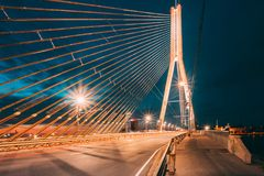 Vansu bro i Riga, Lettland Omslagsbro Kabel-bliven bro Royaltyfria Bilder
