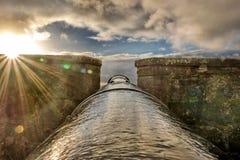 Vapen för sol` s ut ut Royaltyfri Bild
