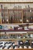 Vapen som visas i vapen, shoppar Royaltyfri Foto
