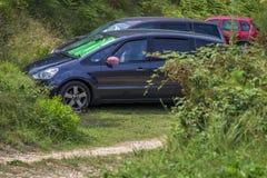 Vapensköld av Kroatien på bilspegeln fotografering för bildbyråer