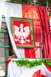 Vapensköld av Polen på den nationella självständighetsdagen i Gdansk i Polen Firar 99th anniv Royaltyfri Bild