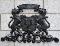 Vapensköld av staden av Aberdeen på granitbakgrund Royaltyfri Fotografi