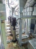 Vapeur d'eau très chaude en acier de chaudière de processus dans la chambre Photographie stock