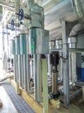 Vapeur d'eau très chaude en acier de chaudière de processus dans la chambre Images libres de droits