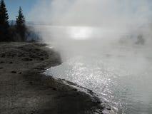 Vapeur de bassin de geyser Photos libres de droits