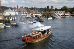 Vapor del pasajero del vintage en el río Támesis en Henley Reino Unido Fotografía de archivo libre de regalías
