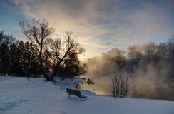 Vapor do nascer do sol no rio Fotografia de Stock Royalty Free