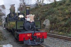 Vapor en el ferrocarril de la montaña Galés fotografía de archivo