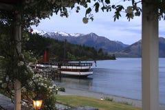 Vapore del passeggero al molo, lago Wakatipu Fotografia Stock