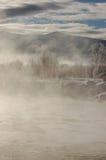 Vapore di primo mattino sul fiume Immagine Stock Libera da Diritti