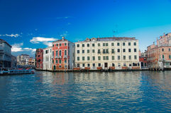 Vaporetto στο μεγάλο κανάλι στη Βενετία Στοκ εικόνες με δικαίωμα ελεύθερης χρήσης