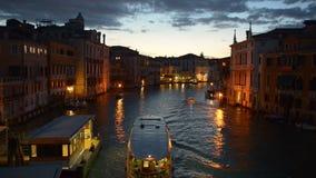 Vaporetto en Venecia almacen de video
