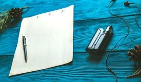 Vaporizzatore e vecchia pagina sviluppata Fotografia Stock Libera da Diritti