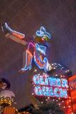 Vaqueira de néon do desfiladeiro do brilho na rua de Fremont imagens de stock royalty free
