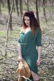 Vaquera en el tiroteo del bosque Fotografía de archivo libre de regalías