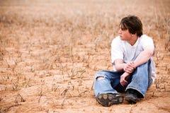 Varón adolescente en naturaleza Fotografía de archivo