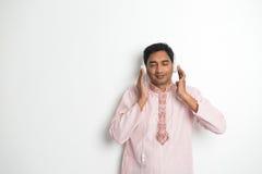 Varón asiático indio joven tradicional Fotos de archivo