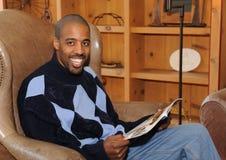 Varón feliz del afroamericano fotos de archivo libres de regalías
