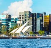 VARÓN, MALDIVAS - 18 DE NOVIEMBRE DE 2016: Vista de la ciudad del varón - imagenes de archivo