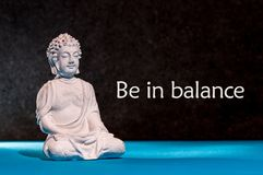 Var i jämvikt - motivationen för att balansera mellan liv, arbete, familjen, sporten och yoga buddha meditera stock illustrationer