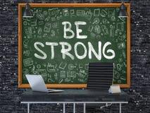 Var stark på den svart tavlan i kontoret 3d Royaltyfri Foto