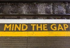 Vara besvärad Gap undertecknar Royaltyfri Fotografi