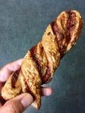 Vara da pizza com o molho de tomate feito com massa folhada Fotografia de Stock