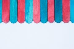 Vara de madeira muitas cores fotografia de stock
