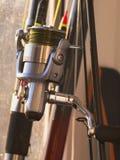 Vara de pesca, flutuador e carretel da pesca imagens de stock royalty free