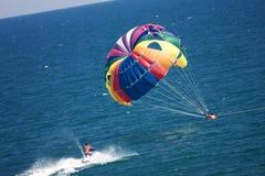 vara räddade parasailers Royaltyfri Fotografi
