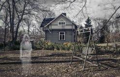 Vara spökskrivareare flickan Fotografering för Bildbyråer