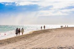 VARADERO MATANZAS, KUBA - MAJ 18, 2017: Sikt av den sandiga stranden Royaltyfria Bilder